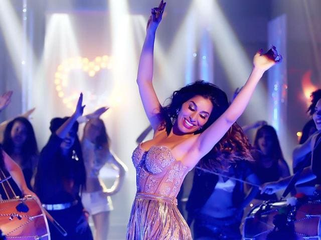 Singer Sophie Choudry is glad that she can multi-task.