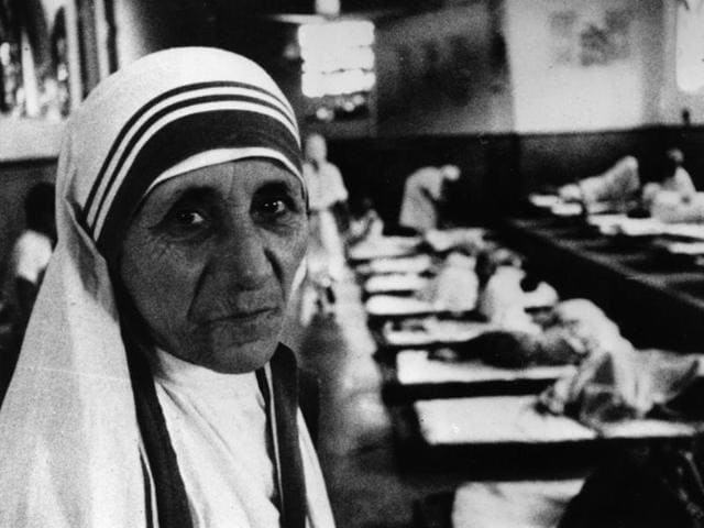 Mother Teresa, seen in her hospital around the time she was awarded the Templeton Prize for Progress.(Mark Edwards/Getty Images)