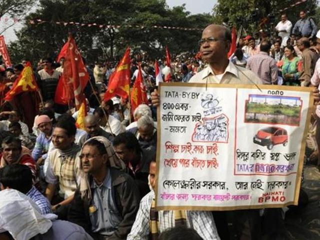 Rabindranath Bhattacharya,Becharam Manna,Singur
