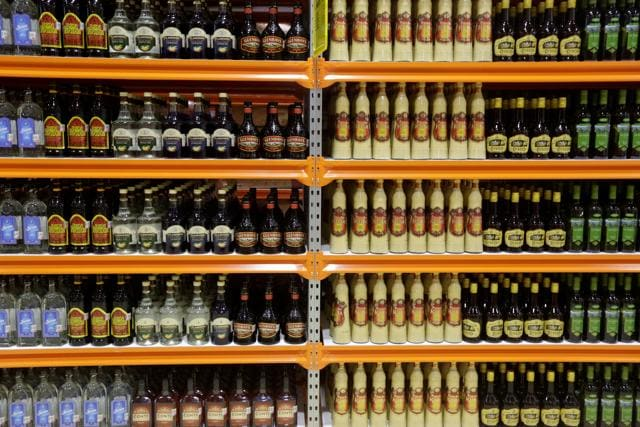 Local Nepali administrations have started shutting down liquor shops in Nepal-India border after booze lovers from Bihar started flocking to the Nepali side and hampered peace and order in the porous border.