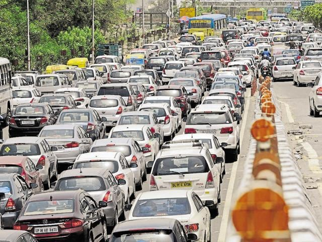 Snarls are a frequent sight in Noida. Bad roads and shortage of traffic police personnel compound the problem. The authority says the new plan will address these issues.