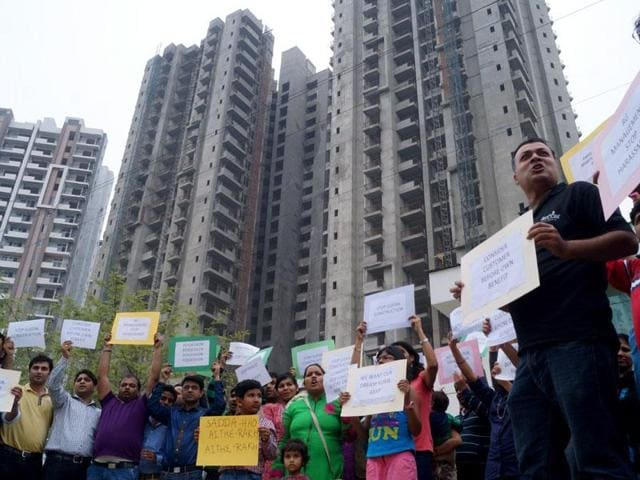 On August 23, the counsel of Nirala India sent legal notices to the homebuyers who were protesting against the builder on various issues.