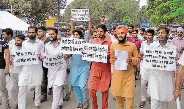 Party members protesting against ticket to Baljinder Kaur from Talwandi Sabo assembly in Bathinda on Wednesday.