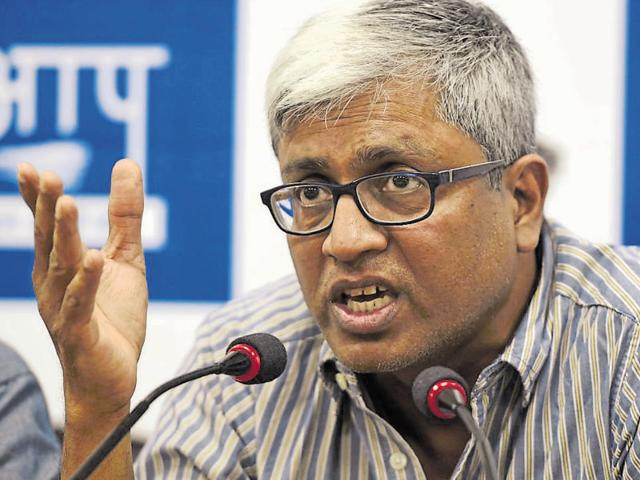 AAP leader Ashutosh has come out in defence of sacked Delhi Cabinet minister Sandeep Kumar. In a blog post on NDTV.com, the senior AAP leader said the video seemingly showed consensual sexual activity, and so there was no need for the matter to be an issue at all.