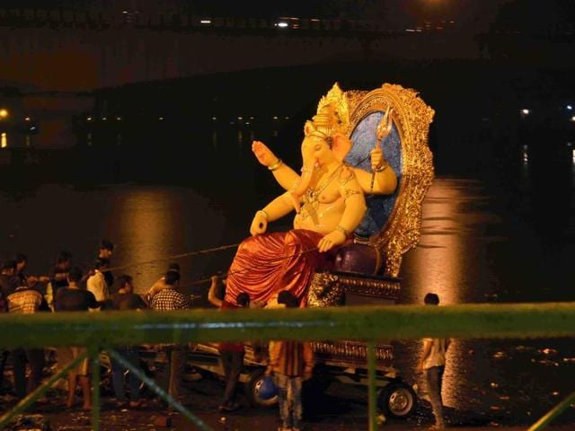 The court directed the state to form a panel to identify an alternative plot for parking of vehicles during Ganesh immersion next year.