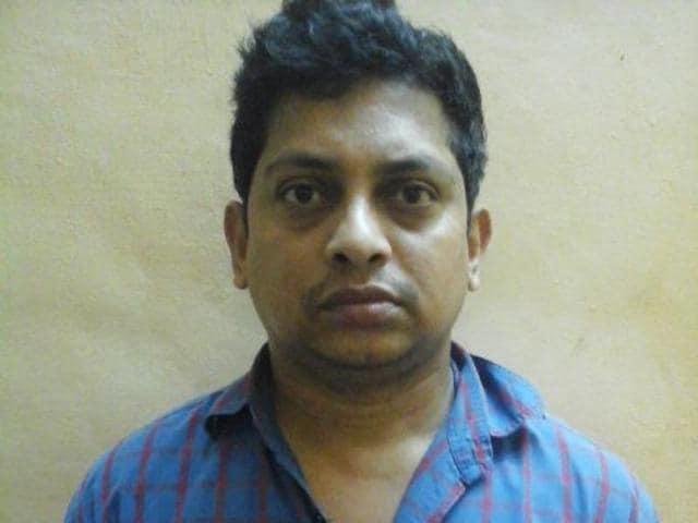 The accused has been identified as Vikas Murlidhar Talvanekar, a resident of Arnala in Virar.