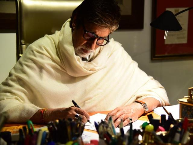 The Bollywood megastar wrote a very personal and inspirational letter to the girls in which he tells them to make their own choices and not worry about what the world will think or who they should get married to.(Twitter)