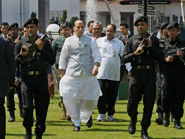Union home minister Rajnath Singh arrives for a press conference in Srinagar on Monday.(PTI)