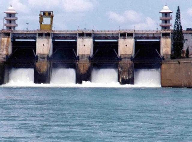 Picture dated 15 September 2002 shows Cauvery river water being realesed from the Kabini Dam at Heggadadevankote province about 165 kms south-west of Bangalore.(AFP)