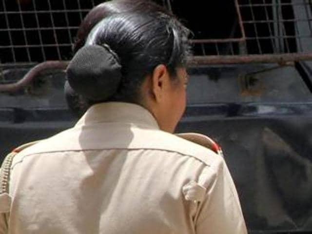 Traffic constable Rita Jadhav was hit on the hand while towing illegally parked vehicles.