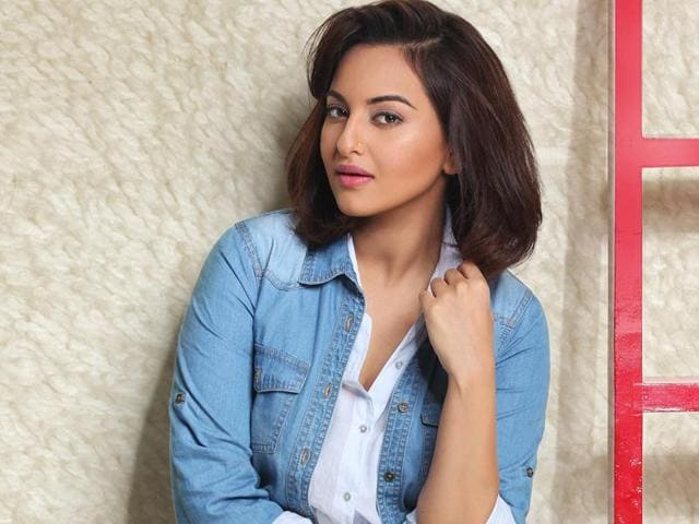 Bollywood actor Sonakshi Sinha says she often discusses politics with her politician father, Shatrughan Sinha.