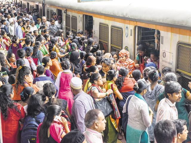 The ministry of railways should immediately clear all doubts at this stage, because the new scheme kicks in on Friday