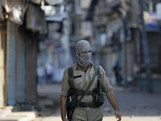 File photo of paramilitary soldiers during clashes in Batamaloo area of Srinagar, J-K.