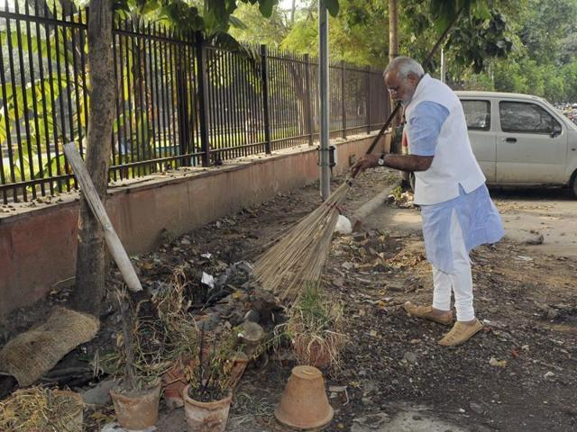 Prime Minister Narendra Modi has launched the Swachh Bharat Mission, an ambitious Rs 1.96 lakh crore programme to clean India by 2019.