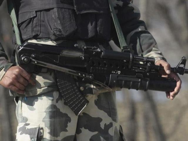Pulwama police station,Kashmir,grenades