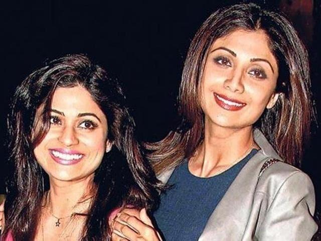 Shamita Shetty will groove to sister Shilpa Shetty Kundra's hit tracks such as Bounce, Chura Ke Dil Mera etc.