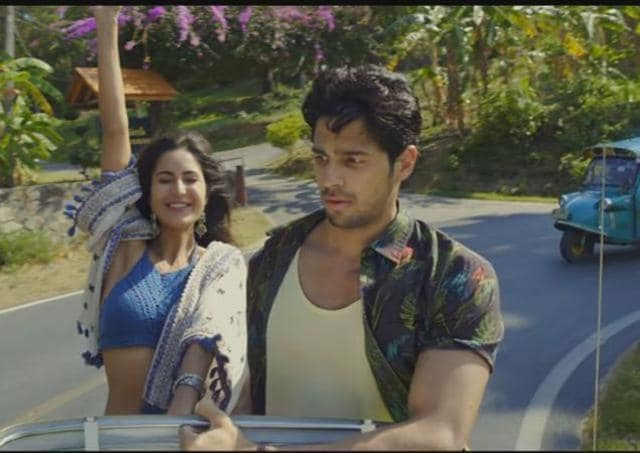 Because of all the time-travelling, Sidharth Malhotra is forced to keep the same dazed and confused expression on his face throughout the film.