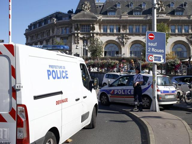 A police bomb disposal van arrives at the Gare de Lyon railway station in Paris, France, following the discovery of a suspect package.