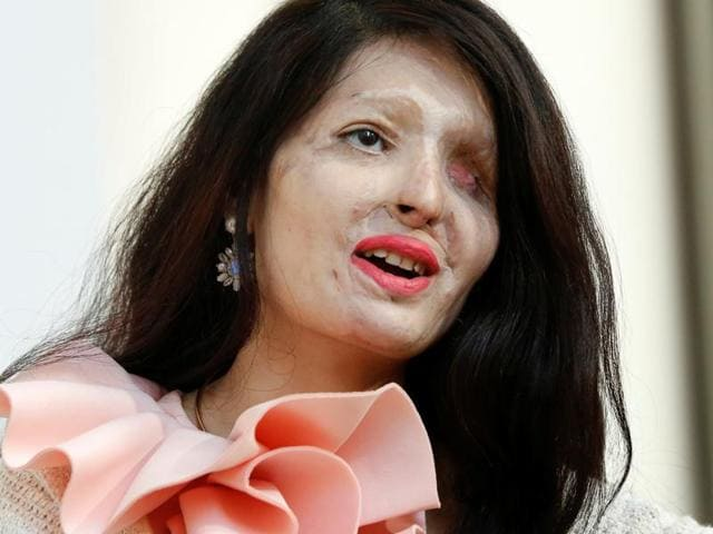 Reshma Quereshi, an acid attack survivor, walked the ramp on the opening day of the New York Fashion Week, on September 7, 2016.(Reuters)