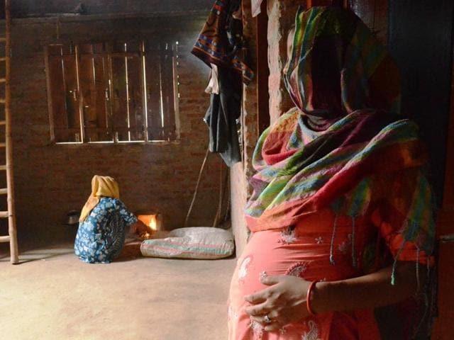 11 weeks pregnant asian thai teen heather deep gets throatpie blowjob - 1 2