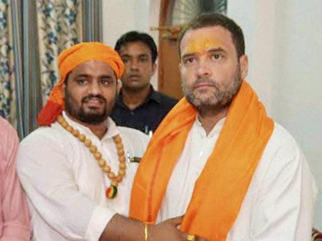 Congress vice-president Rahul Gandhi at the Hanumangarhi temple in Ayodhya.