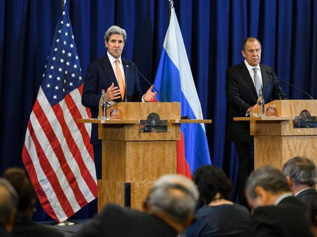 (L - R) Russian Foreign Minister Sergei Lavrov, United Nations Special Envoy for Syria Staffan de Mistura and US Secretary of State John Kerry enters the press conference room after meetings to discuss the Syrian crisis went late into the evening on September 9, 2016, in Geneva.