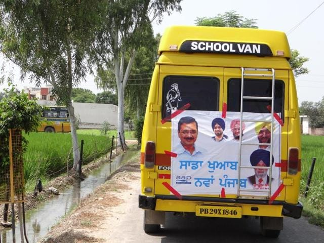 School buses ferrying AAP crowd to AAP rally.