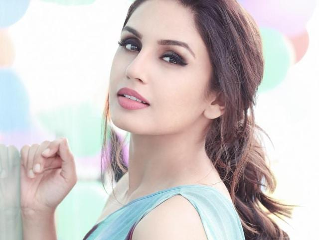 Actor Huma Qureshi talks about the prevalent pay disparity in Bollywood.  She says there should be equal pay for equal work.