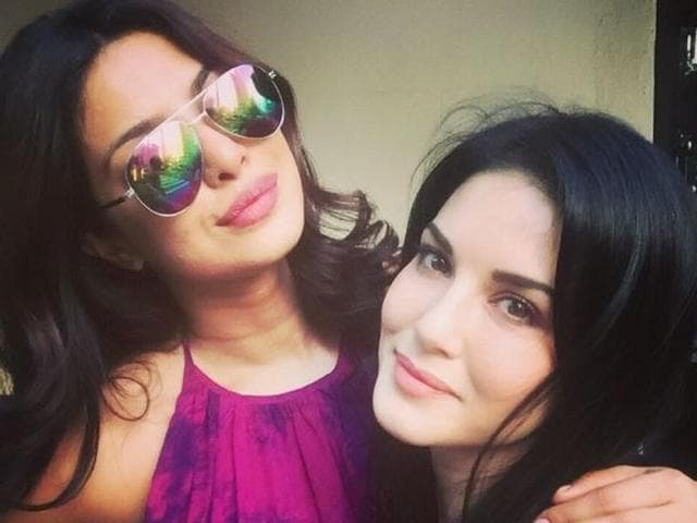 Sunny Leone was the showstopper for Archana Kochar at New York Fashion Week. (Twitter)