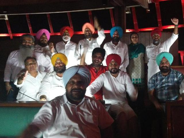 Congress protest at Punjab assembly