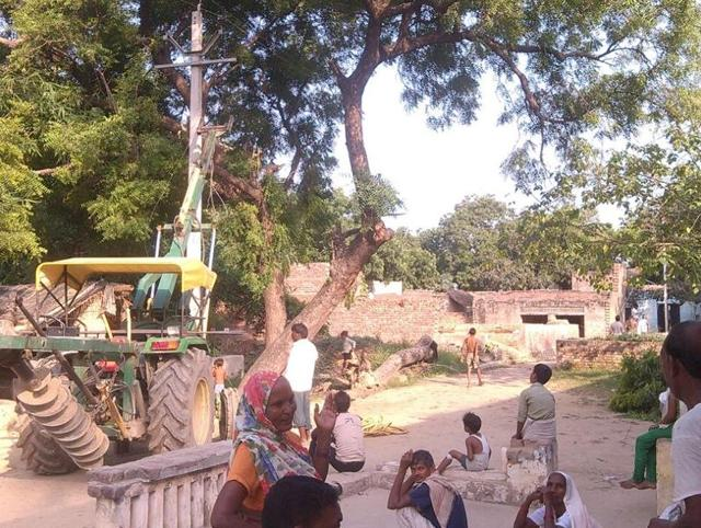 POwer supply in Indian village,Power supply in Etah village,Deepti Mishra