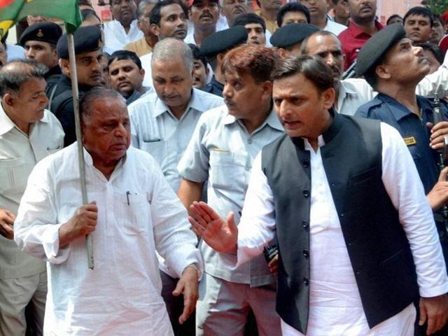 Samajwadi Party chief Mulayam Singh Yadav and Uttar Pradesh chief minister Akhilesh Yadav.