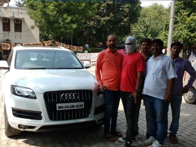 Satendra Singh Shekhawat (35), an MBA in marketing, allegedly stole over twenty luxury cars including Audis, Mercedes' and BMWs from different hotel.