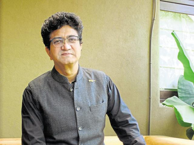 Renowned lyricist Prasoon Joshi is credited with penning some of the most touching songs in the Indian entertainment industry.