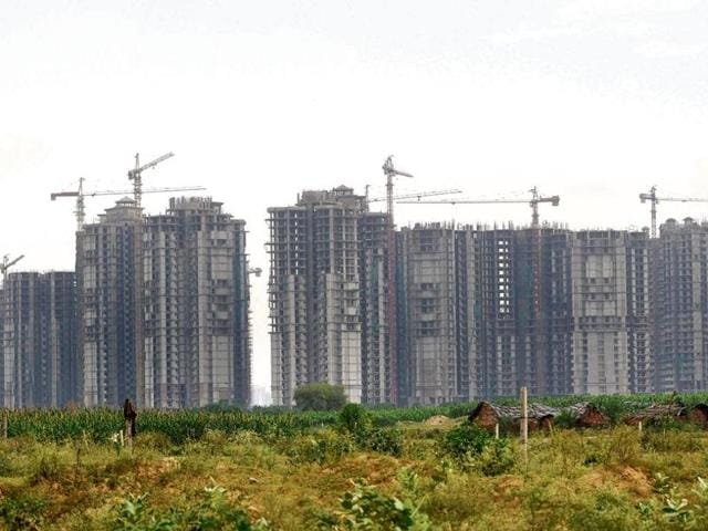 Under pressure from the builders, the Greater Noida authority removed the list of defaulter builders' list from its website that was posted barely a week back.