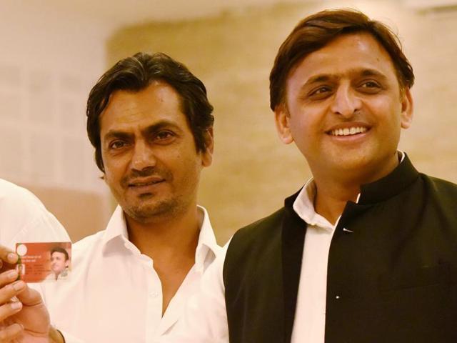 Uttar Pradesh chief minister Akhilesh Yadav launches Kisan Bima Yojna with Bollywood actor Nawazuddin Siddiqui in Lucknow.