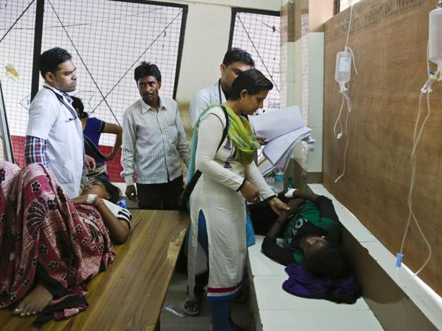 Patients suspected to be suffering from dengue are treated at a hospital in Allahabad, India, Wednesday, Sept. 14, 2016. In another Uttar Pradesh city, Kanpur, there has been a spurt in dengue cases.