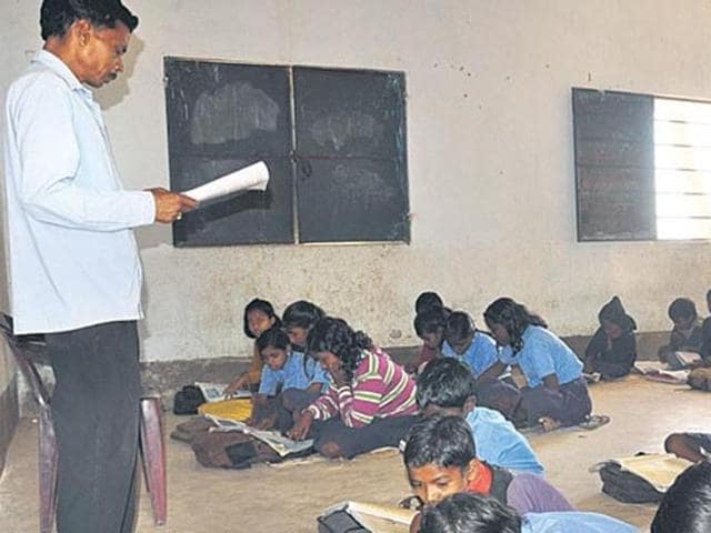 West Bengal education minister Partha Chatterjee said on Thursday that 1,23,000 candidates qualified in the state board's primary Teachers' Eligibility Test (TET) exam.