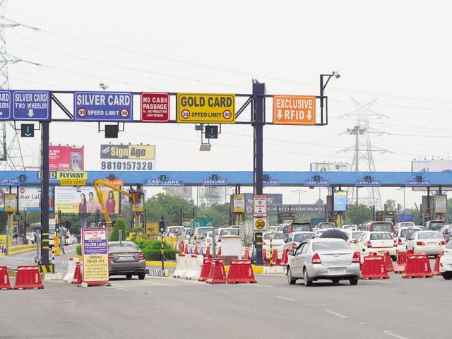 Nearly 1.10 lakh commuters cross the two DND toll plazas every day and many pay cash at the counters.