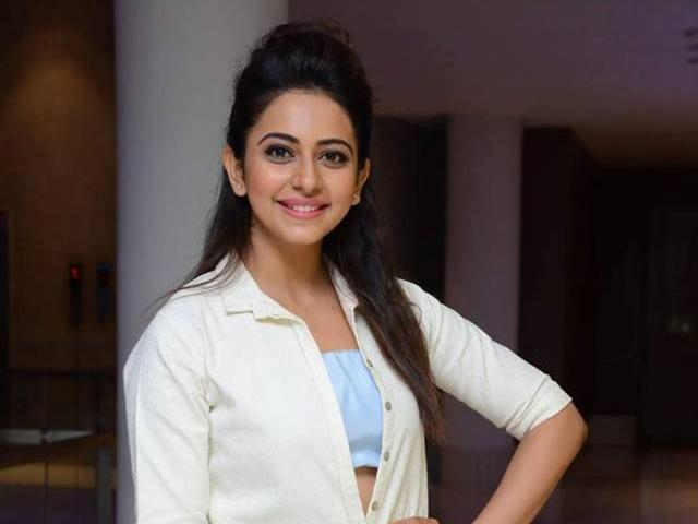 Rakul Preet Singh will star opposite Mahesh Babu inAR Murugadoss next Tamil-Telugu bilingual.