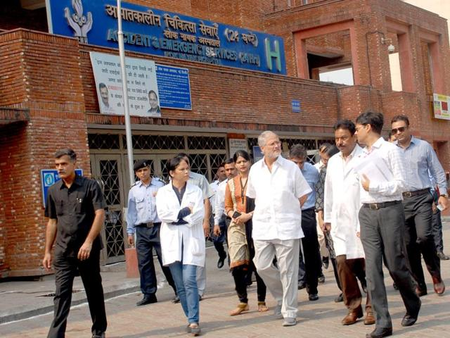 Lieutenant governor Najeeb Jung directed officials to deploy more doctors in Delhi hospitals to deal with the spurt in cases of chikungunya and dengue.