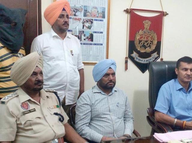 Tarn Taran police,drugs smuggling,Punjab drug abuse