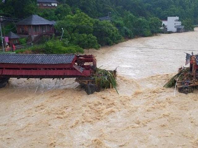 Typhoon Meranti,China lashed by typhoon Meranti,Death toll in Typhoon Meranti