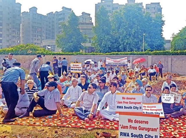 Residents protested,CNG pump,Sector 49