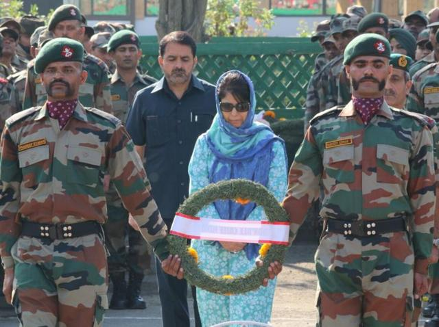 Jammu and Kashmir chief minister Mehbooba Mufti paid tribute to the 17 soldiers killed in the Uri attack onSunday.