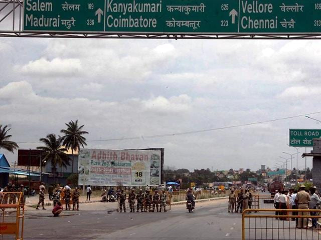 Border Security Force (BSF) personnel deployed at Karnataka-Tamil Nadu border near Attibele in the view of the Cauvery agitation.