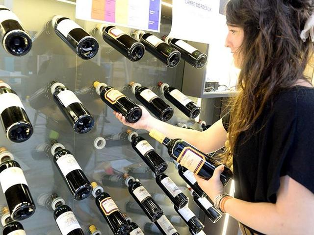 The USEmbassy in Tel Aviv sent gifts in a basket to various Israeli organisations, one of which was a bottle of wine made in an Israeli settlement.
