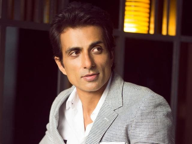Actor Sonu Sood does not belong to any one Bollywood camp and works with all good directors.