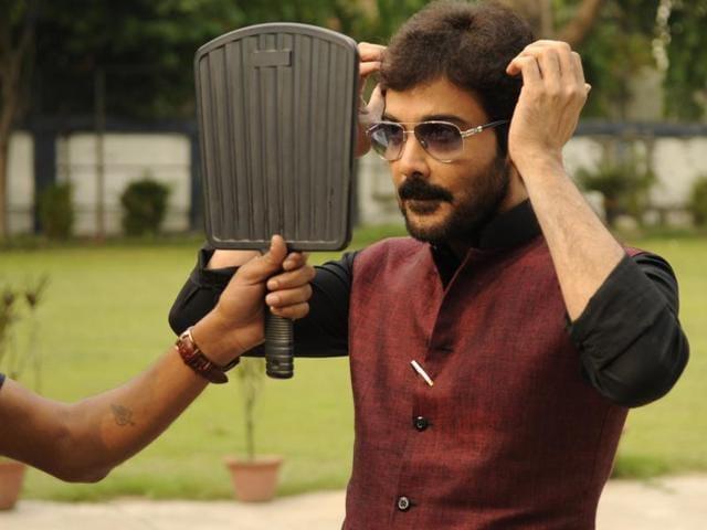 Actor Prosenjit Chatterjee has worked with filmmaker Srijit Mukherji in five films. Their latest is Zulfiqar.(Samir Jana/HT)