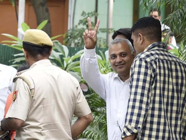 AAP's Somnath Bharti arrested for allegedly assaulting AIIMS security guards, at Hauz Khas Police Station in New Delhi on Thursday.